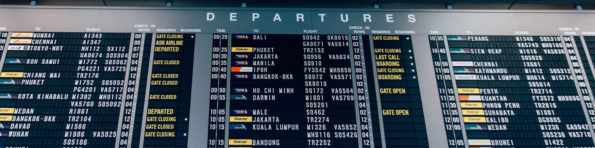 airport display of flights